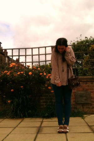 Topshop jeans - Primark bag - Primark pumps - Topshop jumper - homemade necklace