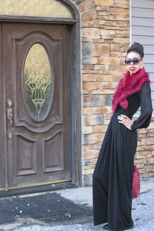 ruby red faux fur scarf - black Prada boots - ruby red LKGE Boutique bag