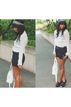 black leather peeptoe Schutz boots - white vintage shirt