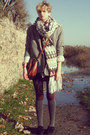 Heather-gray-houndstooth-secondhand-coat-off-white-knitted-h-m-scarf