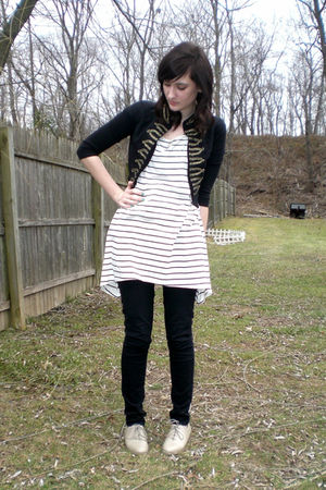 white striped H&M shirt - beige thrifted shoes - black skinny H&M jeans
