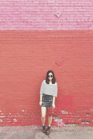 acid wash H&M skirt - boots - red bag - crop top H&M t-shirt