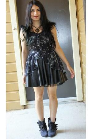 lip service top - Forever 21 skirt