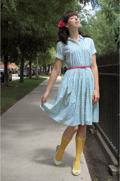 light blue vintage dress - mustard knit sparkle hansel from basel socks