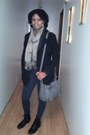Black-ankle-bamboo-boots-black-coat-scarf-light-gray-tote-cato-bag