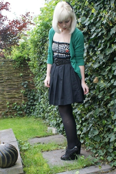 H&M vest - Fornarina top - selfmade skirt - viktor & rolf shoes - vintage belt