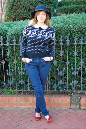 black reindeer vintage sweater - blue Mossimo Black jeans - black vintage hat