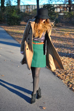 dark green wool vintage skirt - black suede Mossimo boots