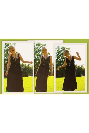 black cotton Margit Brandt dress - bronze various handmade necklace