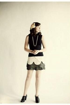 black anne taylor loft top - gray ryu skirt - black H&M shoes - white necklace -