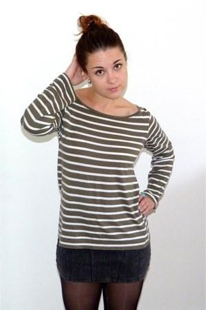 dark green striped H&M t-shirt - gray bodycon H&M skirt