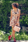 White-oasap-dress-light-pink-mochibeaucoup-bag-red-oasap-wedges