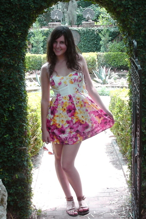 Forever21 dress - Dollhouse shoes - JCrew sunglasses