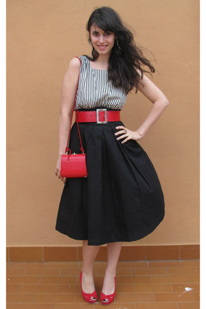 black betty Emily and Fin dress - red vintage purse - red unisa heels
