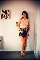 vintage top - Oysho shorts - rules by mary shoes - vintage bag - vintage belt