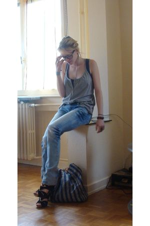 RV jean jeans - Matalan shoes - t-shirt - accessories
