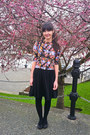 Black-wool-tights-salmon-floral-print-vintage-blouse