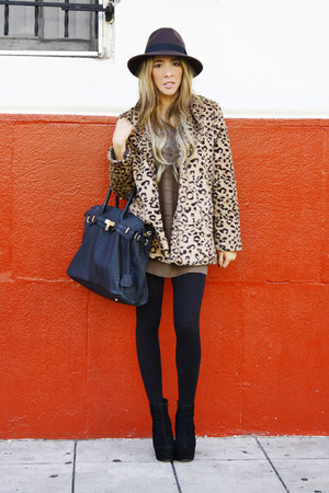 off white leopard fur HAUTE & REBELLIOUS coat
