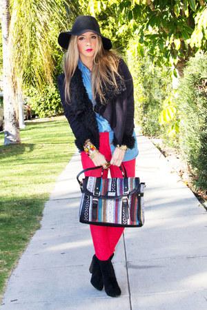 black HAUTE & REBELLIOUS bag - red HAUTE & REBELLIOUS jeans