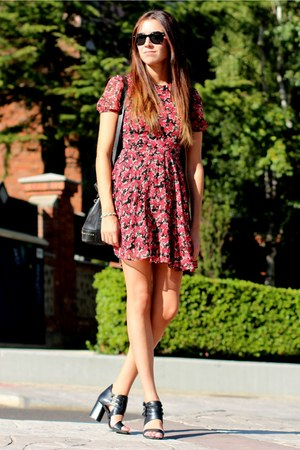 Zara dress - Hartford sunglasses