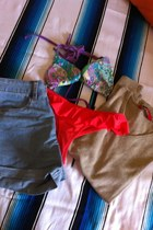 tan  shirt - sky blue Primark shorts - purple Modalfa bra - red Pinky pants