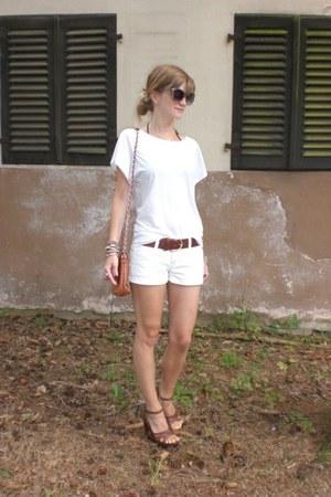 white H&M shirt - white Mango shorts - brown Deichmann wedges