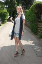 heather gray H&M shirt - black Zara vest - black Deichmann wedges