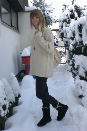 black H&M jeans - cream vintage sweater - black boots