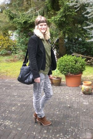 black H&M jacket - brown Deichmann shoes - gray H&M jeans
