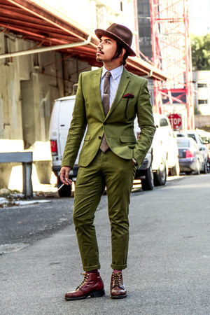 green suit H&M suit