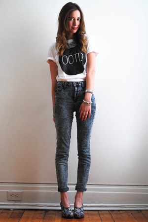 white DentelleFleurs Design t-shirt - jeans - block asos heels - H&amp;M necklace