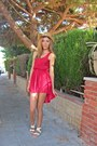 Ruby-red-pull-bear-dress-camel-h-m-hat-white-blanco-sandals