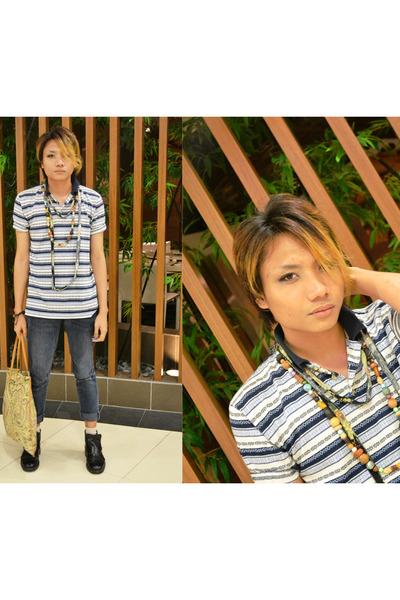 bead necklace kultura accessories - jeans - shirt - paisley print kultura bag