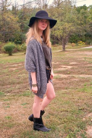 black Old Navy shorts - gray Forever 21 sweater - green Forever 21 shirt - black