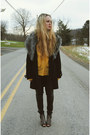 Black-boohoo-coat-gold-vintage-shirt-black-goodnight-macaroon-pants