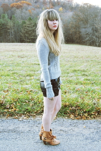 heather gray JCPenney sweater - tawny My Lady Boutique boots