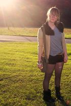 black sam edelman boots - black Old Navy shorts - black Nasty Gal glasses - beig