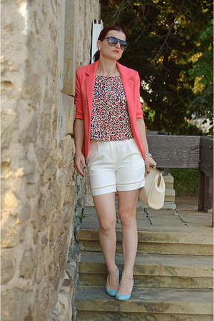 salmon Lovelywholesale blazer - OASAP bag - white Front Row Shop shorts