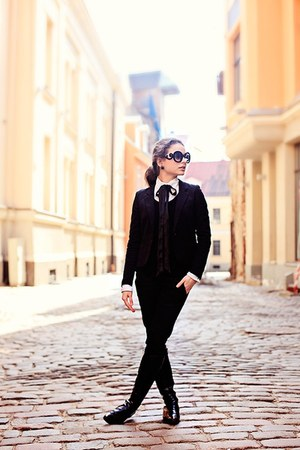 black H&amp;M blazer - black Ebay sunglasses - white Mango blouse