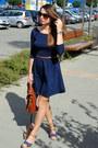 Navy-stradivarius-dress-brown-zara-bag-blue-secondhand-heels