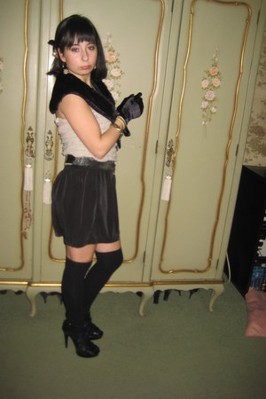 faux fur Stradivarius scarf - overtheknee Stradivarius socks - jumpsuit Zara ves