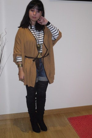 Stradivarius coat - Stradivarius shorts - Calzedonia tights - vintage belt - BLA