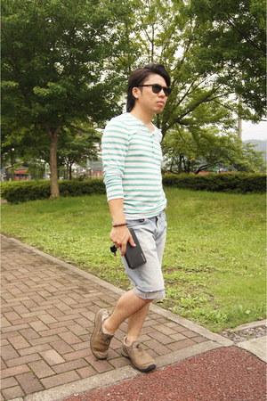 light blue Levis jeans - dark brown Persol sunglasses - green Forever 21 t-shirt