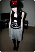 ladyluckrulesok - H&M vest - Dorothy Perkins skirt