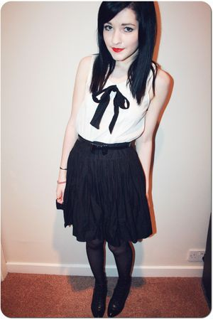 white H&amp;M cardigan - black Office boots - black Primark dress