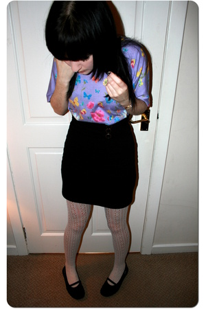 t-shirt - H&M skirt - Claires Accessories tights - Rocketdog shoes