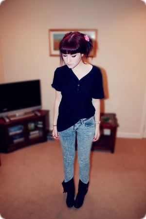 River Island t-shirt - H&M Kids jeans - Faith boots