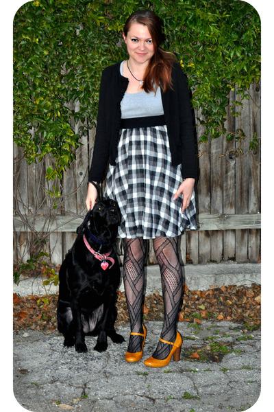 Forever 21 dress - gold Gianni Binni shoes - black Anne Taylor cardigan - black