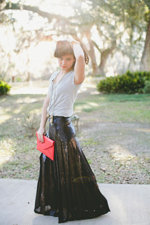 black sequined BCBG skirt - red clutch Angela &amp; Roi bag
