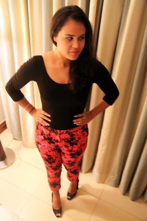 hot pink Topshop pants - black Primark bodysuit - black Charles & Keith heels